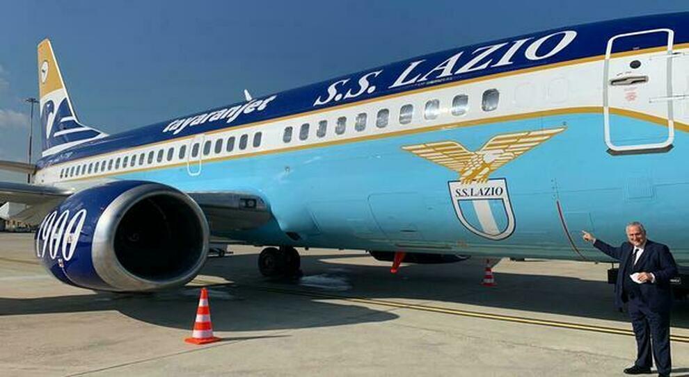 Photo of Primo volo fantozziano per l'aereo della Lazio, giocatori terrorizzati